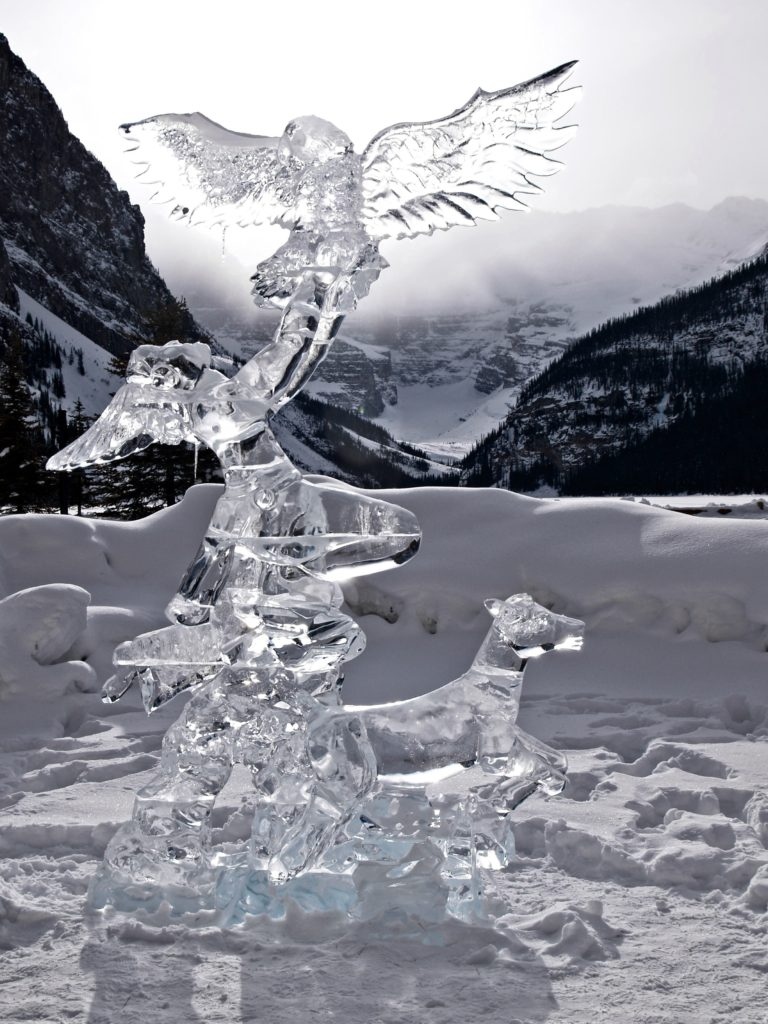 Lakelouiseicesculpture